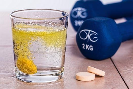 Wie wichtig sind Nahrungsergänzungsmittel zum Muskelaufbau